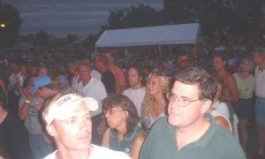 oshkosh-crowd3