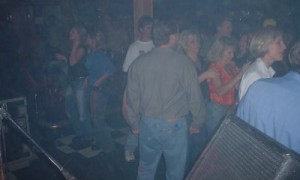 papas2002-crowd3